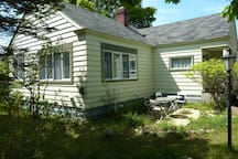 Lake View Cottage II Mackinaw City