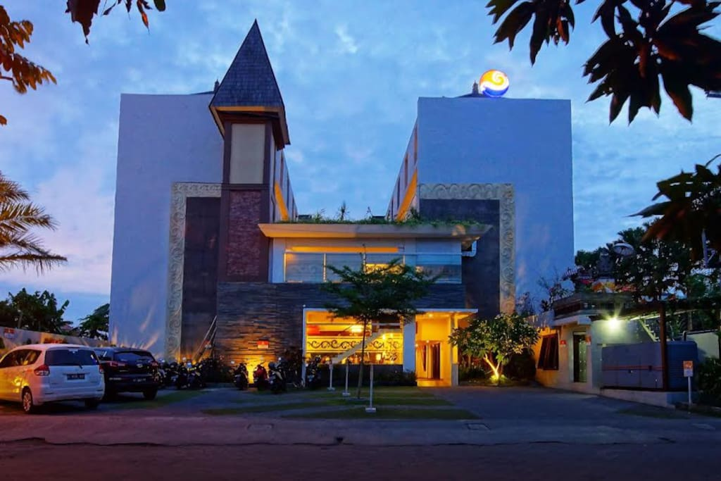 The legian sunset residence appartements louer kuta for Terrace 8 residence kuta
