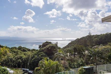 WATEGOS BEACH HOUSE Unbeatable View - House