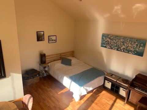 Casa del Couve- Sun Filled  Studio w/Bikes & Sauna