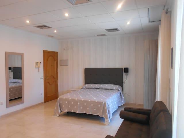 """Apartamento-estudio """"Edificio Aguilas"""""""