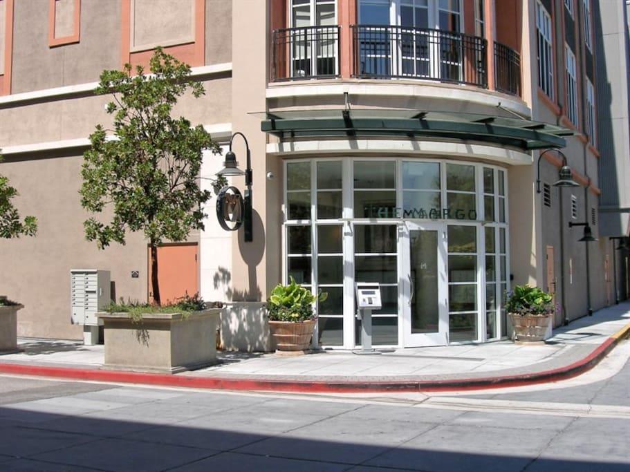 Quiet Condo In Upscale Santana Row Condominiums For Rent In San Jose Calif