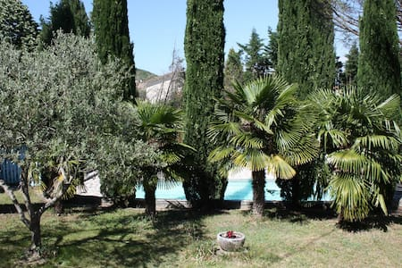 Loue villa-piscine logement entier - Beauchastel - Hus