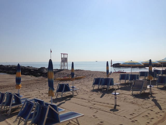 CATTOLICA DOWNTOWN / BEACH - Cattolica