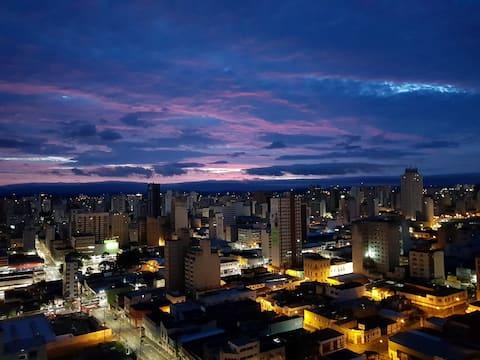 A melhor vista da cidade, com todo conforto!