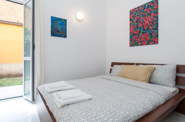 Wonderful apartment with garden