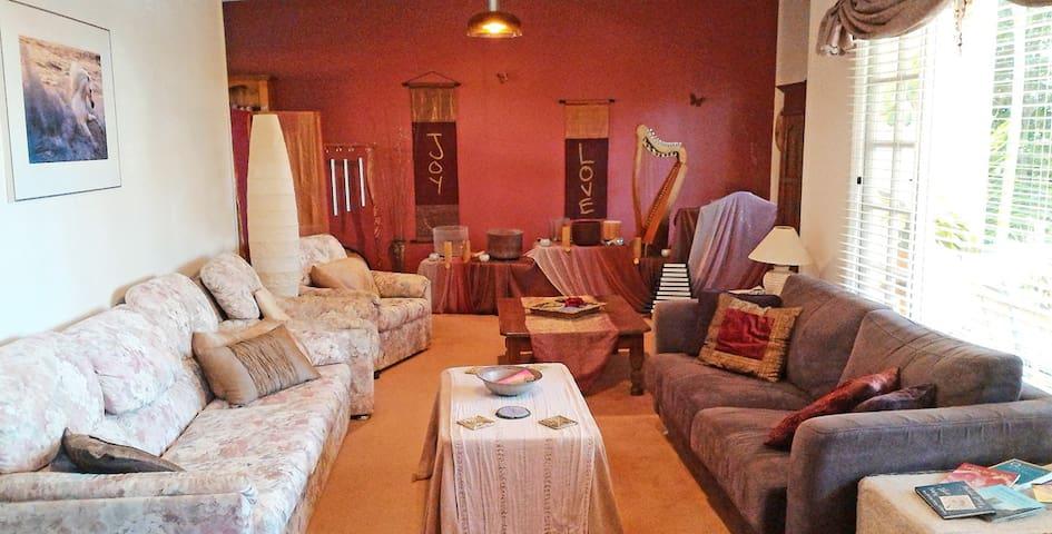 Eco-Spiritual 'Haven' (for women) - Buderim - Apartment