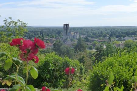 Ferme du Chapitre St Mathurin - Larchant - Hus