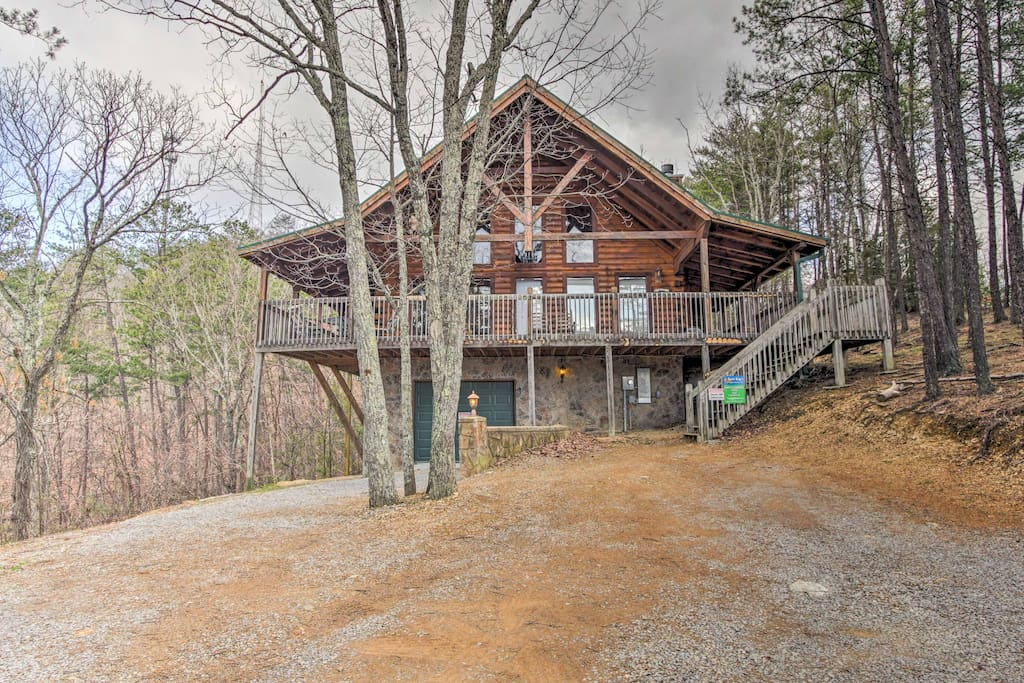 This log cabin home includes 3 bedrooms, 2 baths and all the modern comforts.