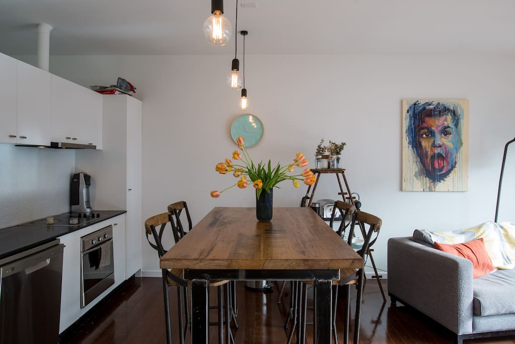 Beautiful dining table & food prep bench