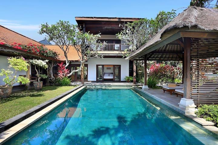 Villa Margarita, Jimbaran, Bali - Jimbaran - Casa