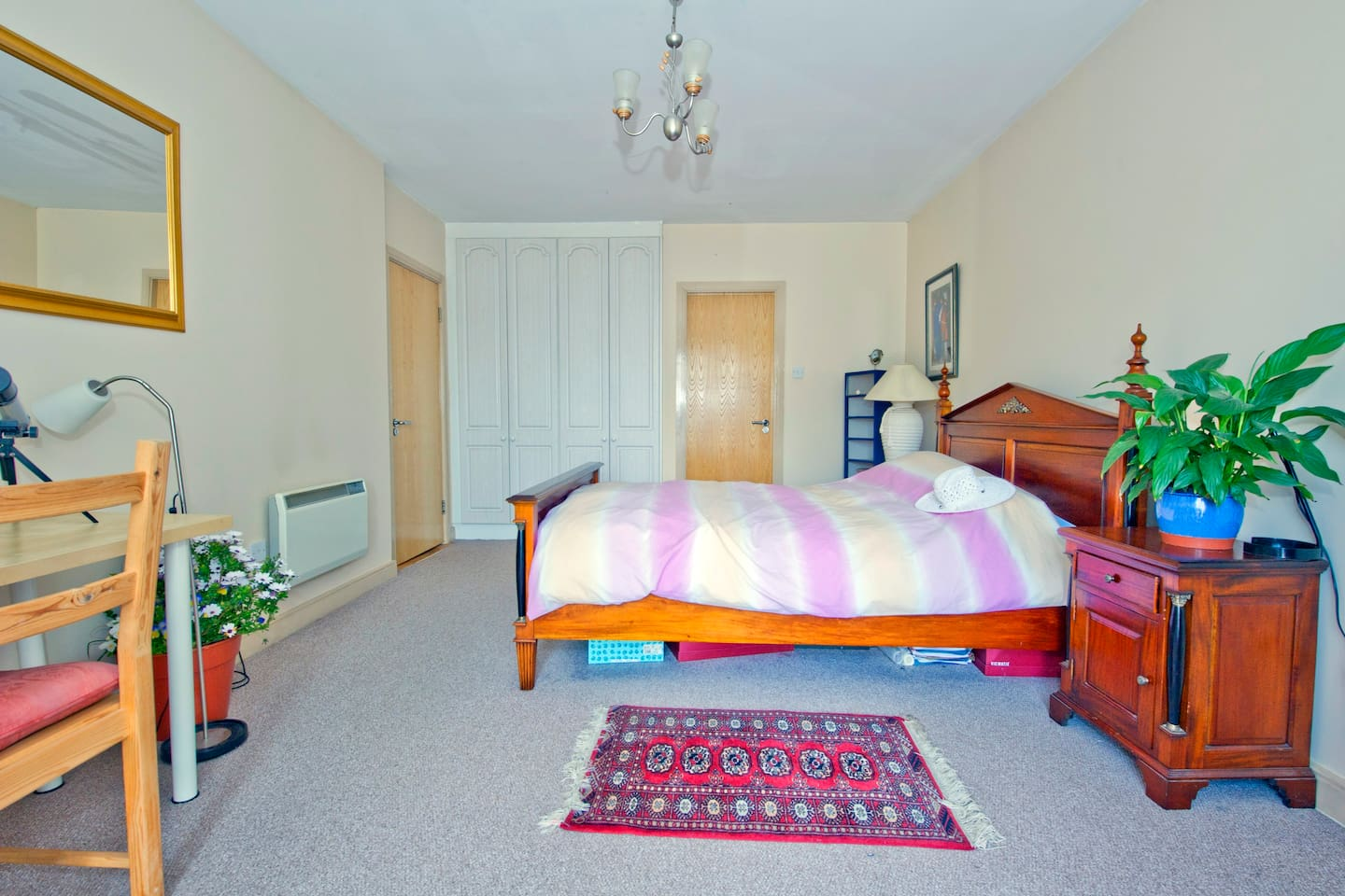 Xtra large room with your own private penthouse balcony & bathroom.