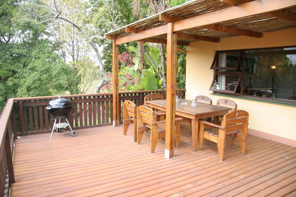 Garden Cottage 1 Deck