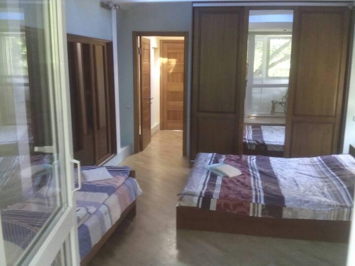 Дом c 4 отдельными комнатами(4), Kyiv, Lavrska, 6b