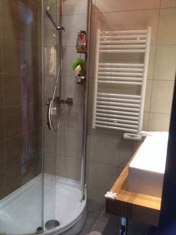 salle de bains indépendante