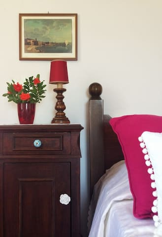 Ondariva: a wide and comfortable room with lake vi - Padenghe - Bed & Breakfast