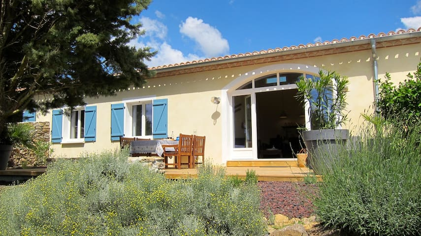 Stylish gîte for 4 near Carcassonne