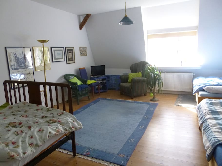Ruhiges zimmer f r die familie chambres d 39 h tes louer for Chambre hote die