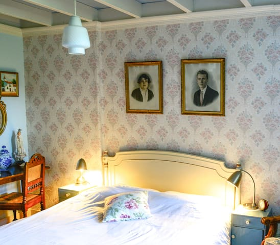Anno1905 Zeer sfeervol appartement Z. Limburg+tuin