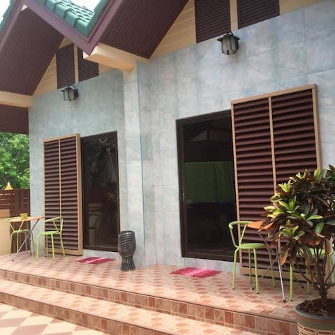 Thaiduck Village Homestay - Ban Chang - Bed & Breakfast
