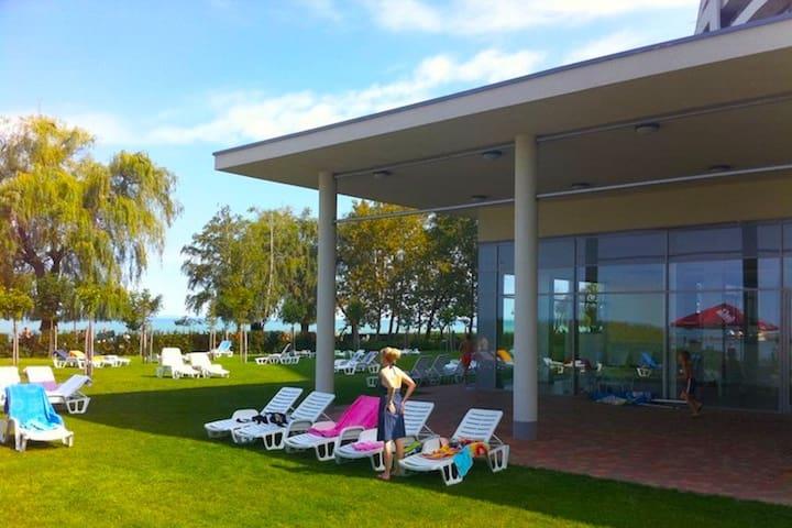 Enjoy the wellness! Lakeview Apart2 - Siófok - Apartment