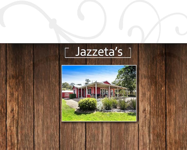 Jazzeta's two bedroom cottage - Christmas Hills - Dom