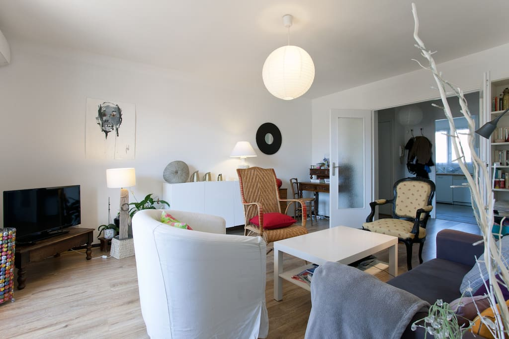 appartement 65 m2 proche remparts appartements louer. Black Bedroom Furniture Sets. Home Design Ideas