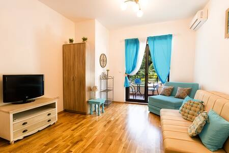 "Апартамент ""Голубой Бриз"" 3 персоны - Bečići"