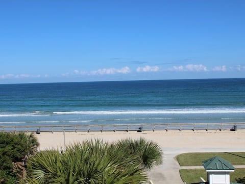 OT205 - Adorable oceanfront 2/2 condo - Views of ocean & river