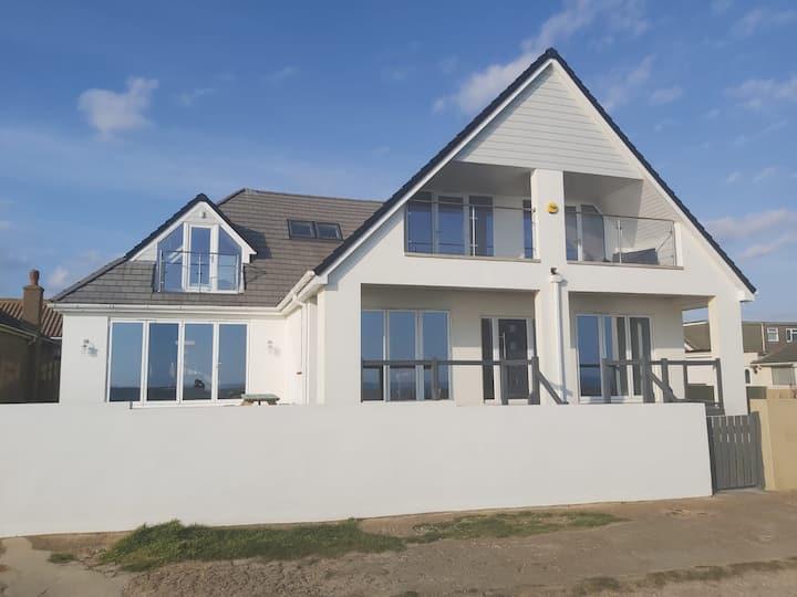 Weatherall Coastal Cottage