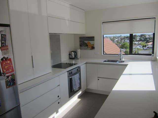 Available for Xmas Break - 3bdrm home