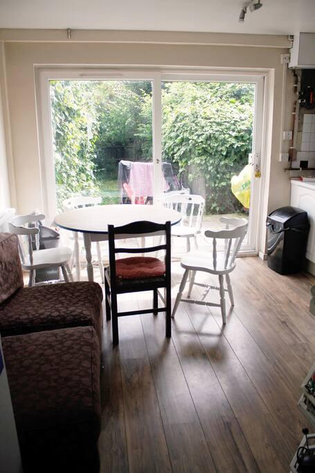 shared kitchen + garden