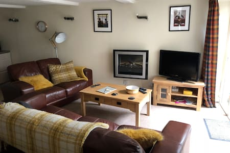 Comfortable , central 1 bedroom apartment