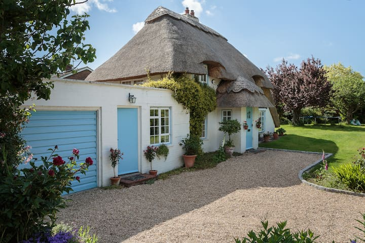 Cosy B&B studio of thatched cottage - Chichester - Wikt i opierunek