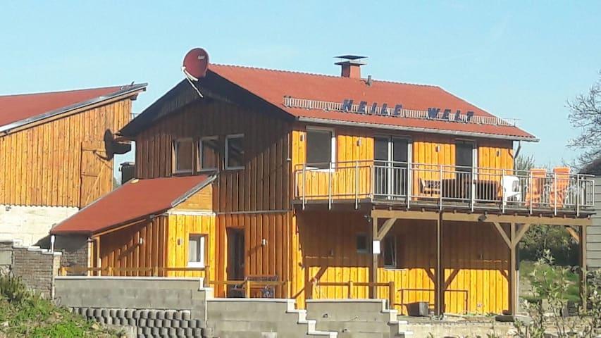 Ferienhaus HEILE WELT (2-10 Pers.) Hunde erlaubt - Windfus / Reichshof - Casa