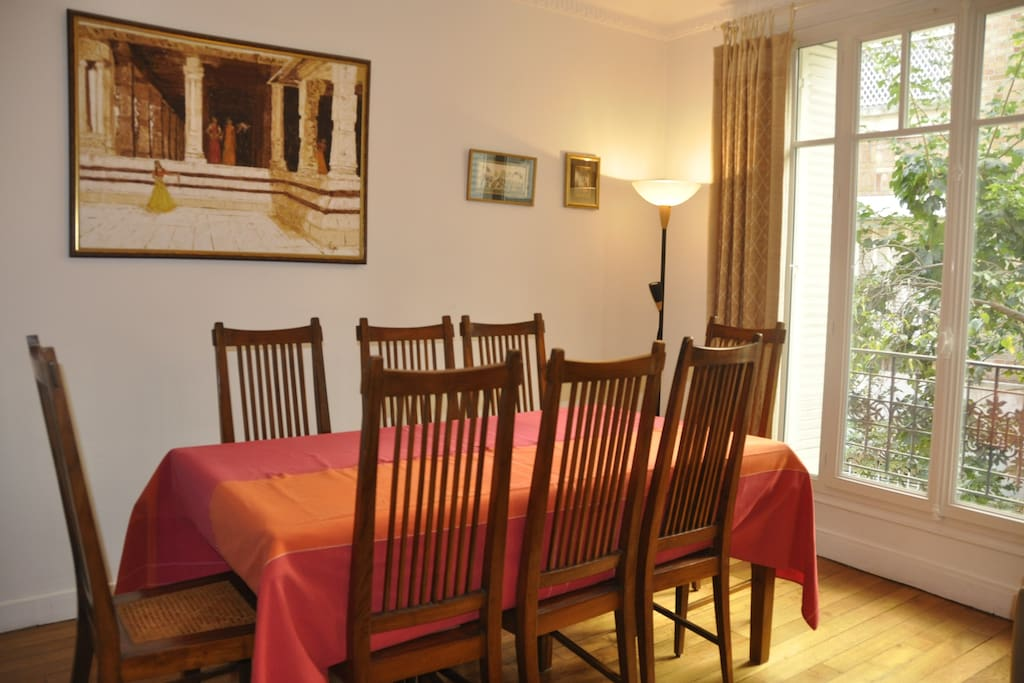 Dining room table for 8 as it is but can be extended for 10 to 12 people if more people are in the flat.