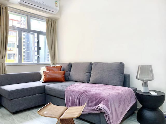 3BR Bright Modern Apartment - Newly Renovated