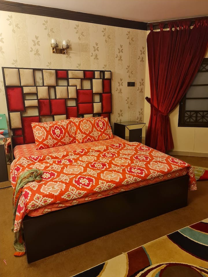 Luxury apartment near dolmin mall hosted well