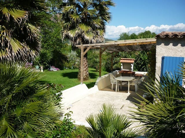 Maisonnette proche Ajaccio, très calme - Alata - House