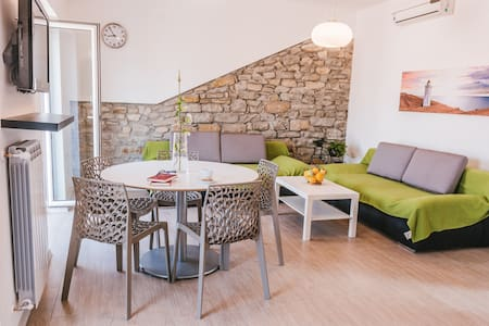 Luxury Apartment - COMPLETELY NEW + WIFI + PARKING - Izola
