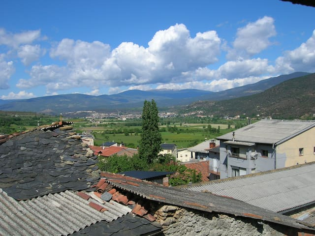 Charming Village House Near Andorra, WIFI , Sat TV - Alàs - 獨棟