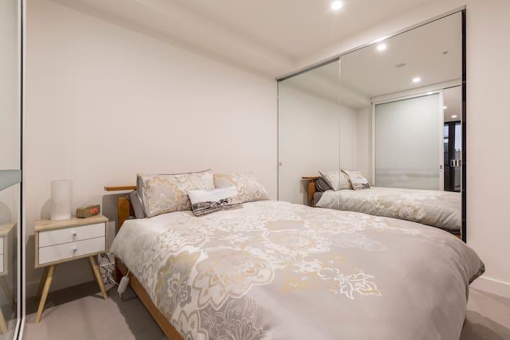 queens carlton 1 bedroom apartment apartments for rent