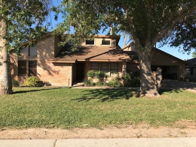 Beautiful and newly renovated 3150sqft home