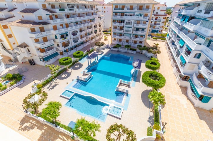 1st Floor Apartment 200m from the La Mata Beach