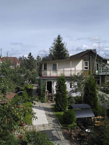 Комфортный дом в 10 мин метро и в 20 мин от центра - Петро-Славянка - Dom