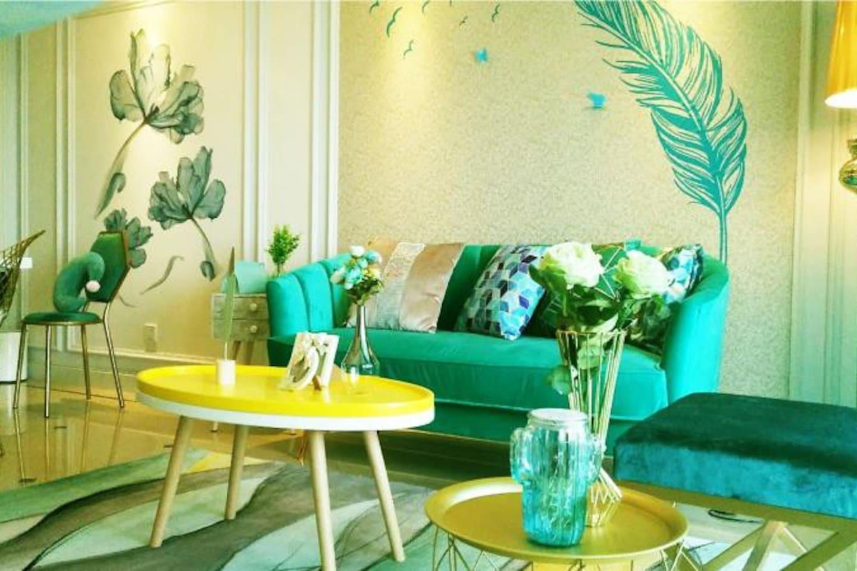 奢华而华丽的客厅,高端订制的沙发