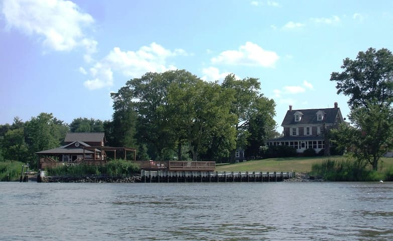 Eagle Manor: waterfront estate by the Jersey Shore - Bridgeton - Διαμέρισμα