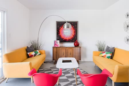 Colorful Retro-Chic Mid-Century House with a Pool