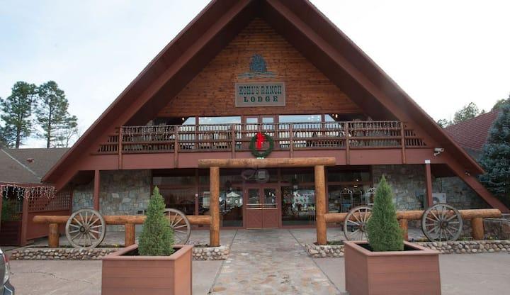 Kohl's Ranch Lodge- Studio unit
