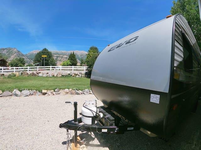 Fun, comfy camping trailer, near Sundance & skiing